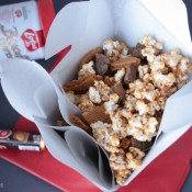 Biscoff Rolo Popcorn | Crumbs and Chaos  #biscoff #popcorn #christmastreats   www.crumbsandchaos.net