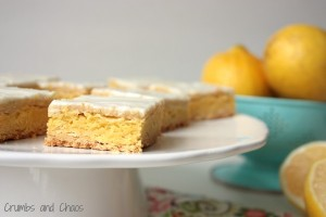 Cream Cheese Lemon Cake Bars | Crumbs and Chaos  #lemon #dessert   www.crumbsandchaos.net