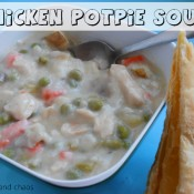 chicken potpie soup | www.crumbsandchaos.net #soup #chicken #potpie