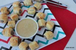Puff Pastry Sausage Bites | Crumbs and Chaos #breakfast #sausage #recipe www.crumbsandchaos.net