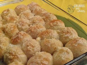 Lemon Pull Apart Rolls | crumbsandchaos.net | #lemon #rolls #brunch