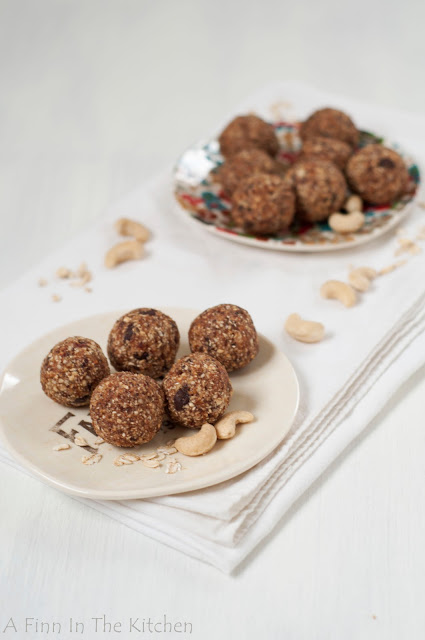 nut and granola bites
