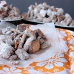 Butterfinger Muddy Buddies | Crumbs and Chaos #sweetsnacks #muddybuddies #butterfinger www.crumbsandchaos.net