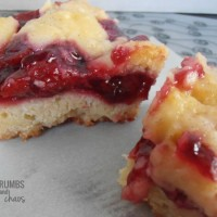 Cherry Pie Bars | crumbsandchaos.net | #dessert #cherry #bars