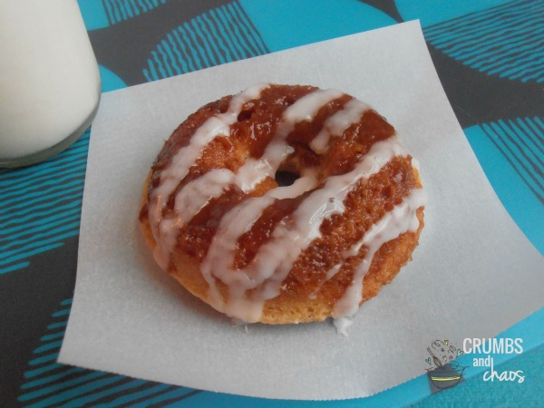 Cinnamon Roll Donuts | crumbsandchaos.net | #donuts #breakfast #cinnamonroll