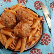 Turkey Pesto Meatballs | crumbsandchaos.net | #meatballs #turkey #dinner