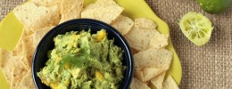 Mango Guacamole | Crumbs and Chaos #appetizer #guacamole #avocado www.crumbsandchaos.net