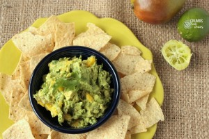 Mango Guacamole | Crumbs and Chaos #appetizer #guacamole #avocado www.crumbsandchaos.net