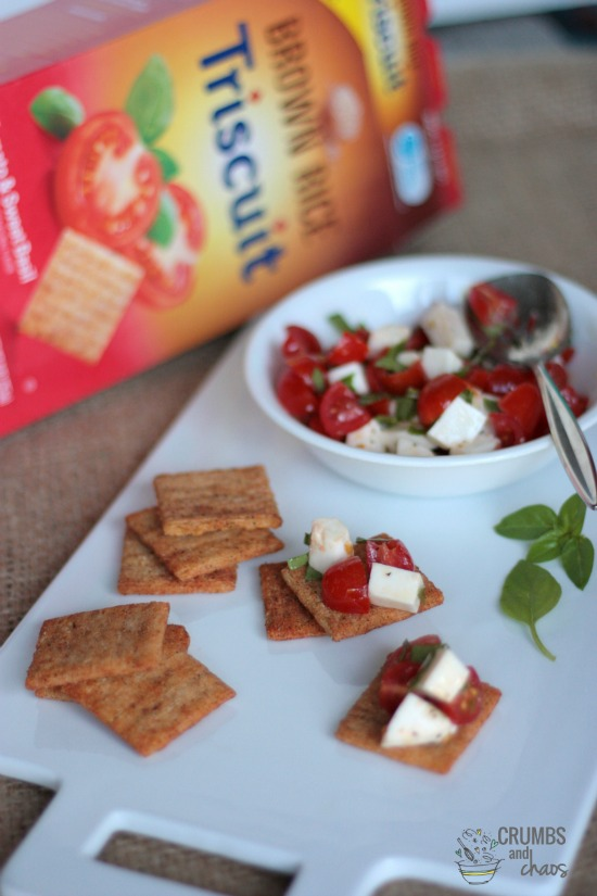 Caprese Topped Triscuit Crackers | a simple and delicious appetizer brought to you by www.crumbsandchaos.net