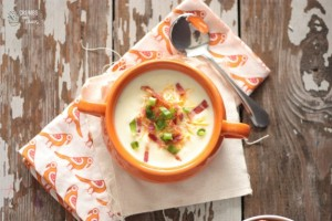 Perfect Potato Soup | Crumbs and Chaos #soup #easyrecipe www.crumbsandchaos.net
