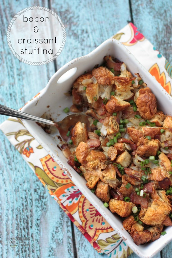 Bacon Croissant Stuffing | Crumbs and Chaos #Thanksgiving #sidedish  www.crumbsandchaos.net