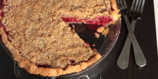 Cranberry Pear Pie | Crumbs and Chaos The perfect #holiday #pie from www.crumbsandchaos.net
