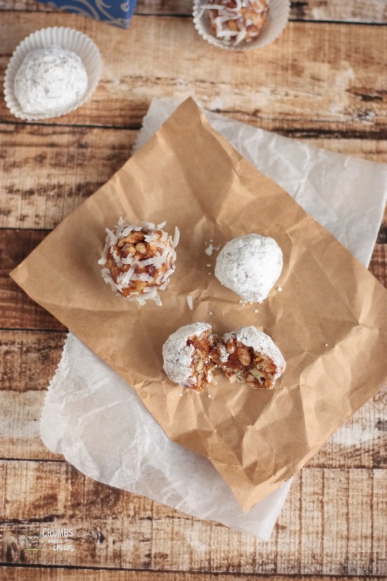 "Date ""Snow"" Balls 