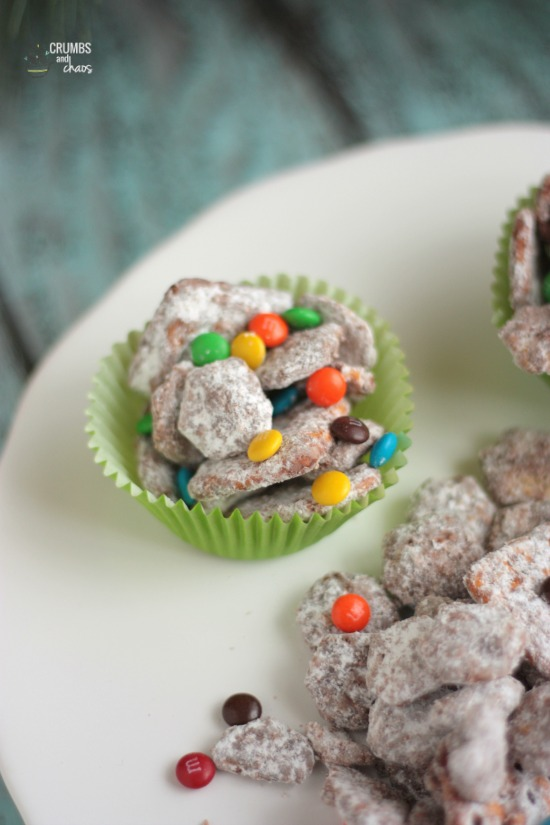Easy Chocolate Snack Mix | Crumbs and Chaos #snackmix #HersheysHeroes #SpreadPossibilities www.crumbsandchaos.net
