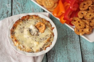 Smoky Bacon Mushroom Dip | Crumbs and Chaos #appetizer #KraftHolidaySavings www.crumbsandchaos.net
