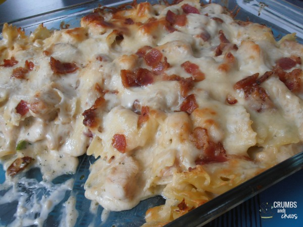 CHICKEN BACON RANCH CASSEROLE | crumbsandchaos.net | #chicken #bacon #ranch #casserole #dinner
