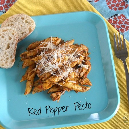 Red Pepper Pesto | crumbsandchaos.net |#pesto #pasta #dinner
