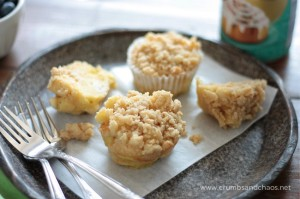 French Toast Muffins with Cream Cheese Streusel recipe on crumbsandchaos.net