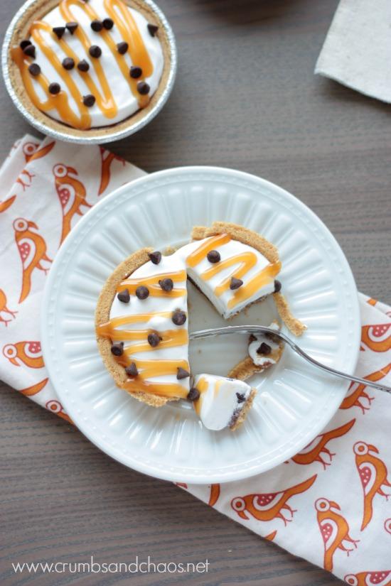 Mini Caramel Chip Icebox Pies | recipe on www.crumbsandchaos.net