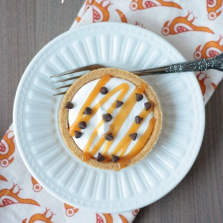 Mini Caramel Chip Icebox Pies | recipe on www.crumbsandchaos.net