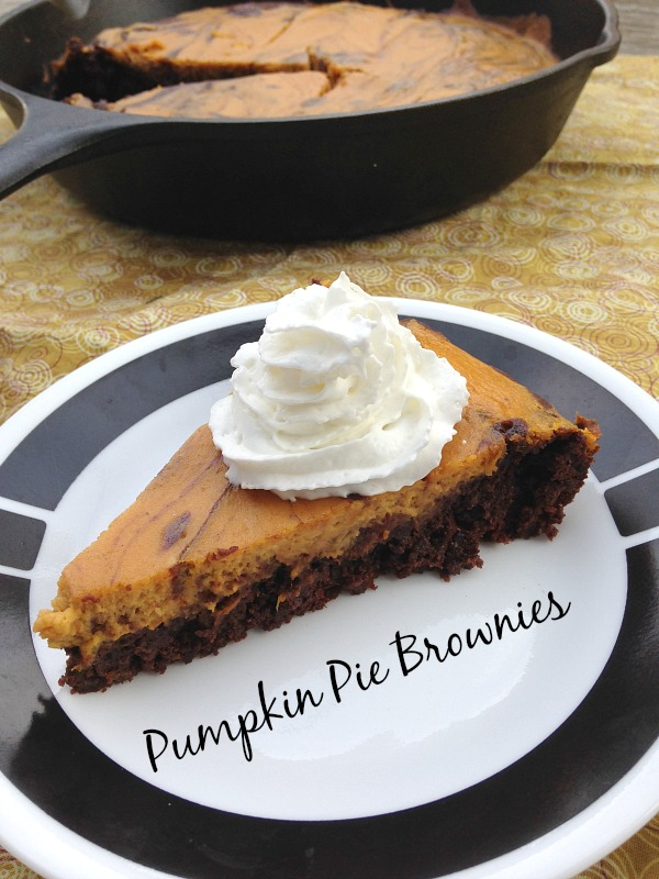 Pumpkin Pie Brownies | crumbsandchaos.net | #pumpkin #brownies #dessert