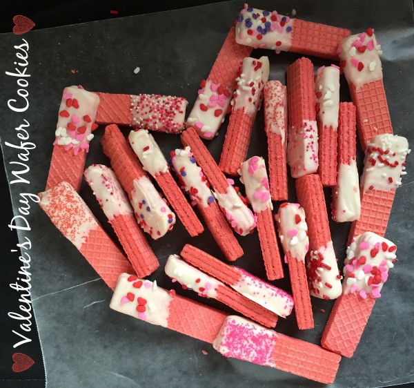 Valentine's Day Wafer Cookies | crumbsandchaos.net | #valentinesday #cookies #treats