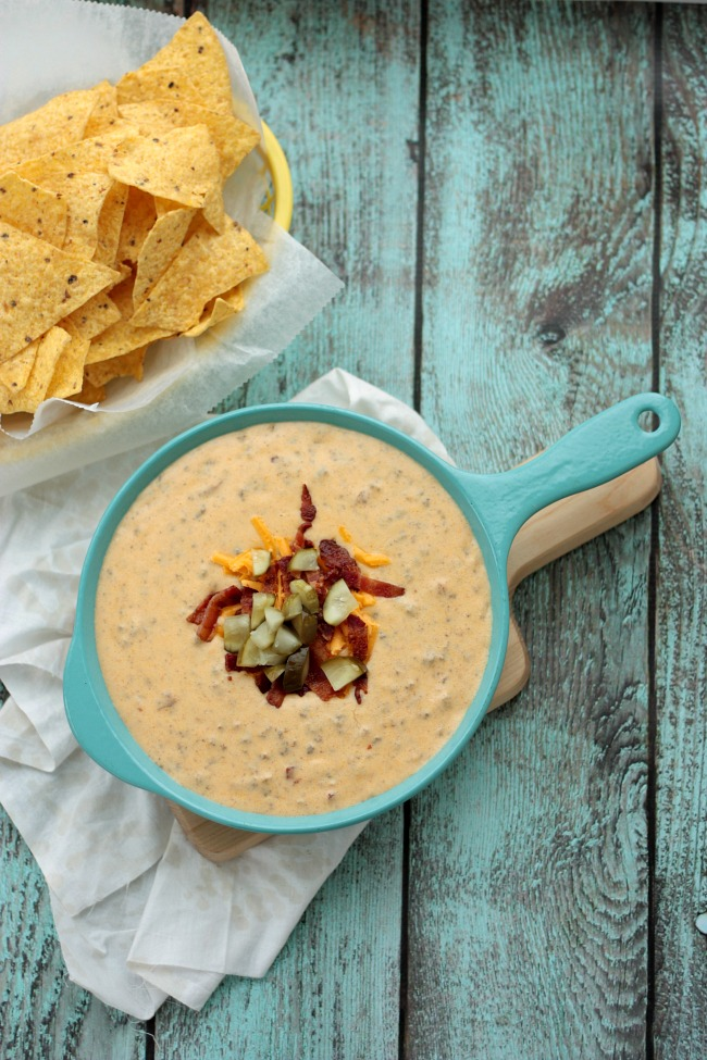 Bacon Cheeseburger Queso Dip | recipe by Crumbs and Chaos