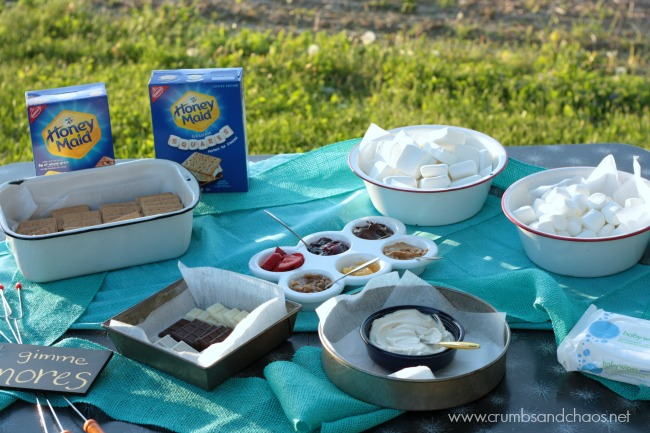 Tips for making a backyard s'mores bar | Crumbs and Chaos