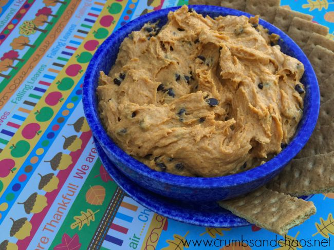 Pumpkin Cookie Dough Dip | crumbsandchaos.net | #pumpkin #cookiedough