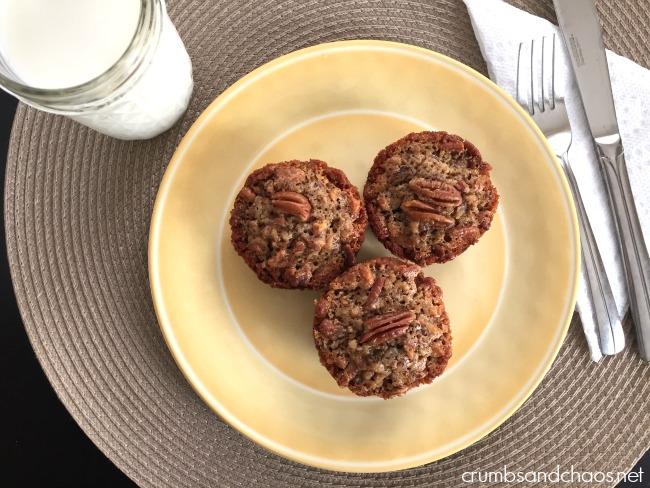 Pecan Pie Muffins | crumbsandchaos.net | #muffins #pecan #thanksgiving