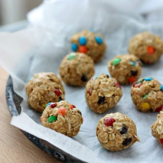 Easy M&M Snack Bites